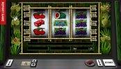 Juega gratis en la tragaperras de casino Snakes and Ladders
